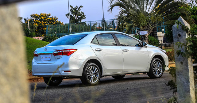 Corolla Altis Reviews