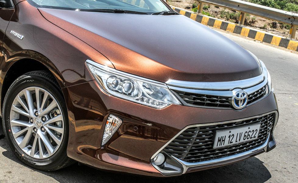 Toyota Camry Pictures, Camry Interior Images & Camry ...