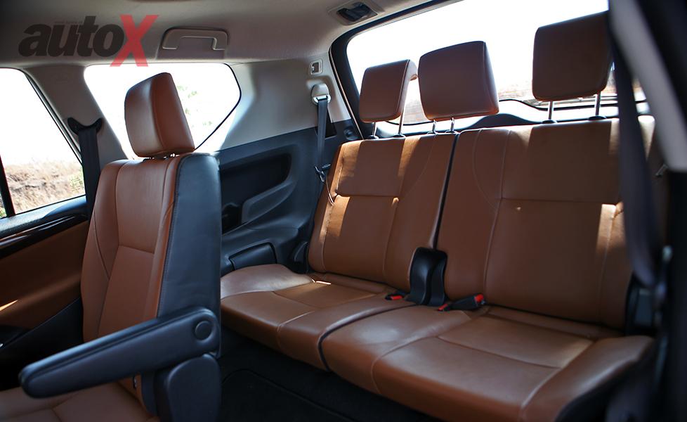 2016 toyota innova crysta photo gallery autox for Innova interior 8 seater