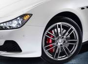 Maserati Ghibli Exterior photo alloy wheel 640x480