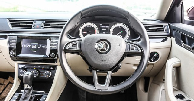 Skoda Superb Pic2