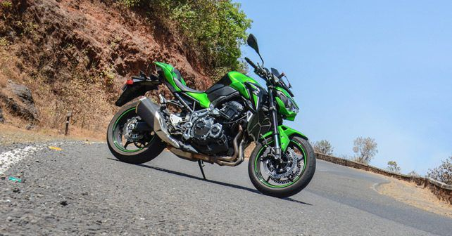 Kawaski Z900 side profile review