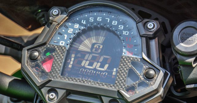 Kawaski Z900 side speedometer review