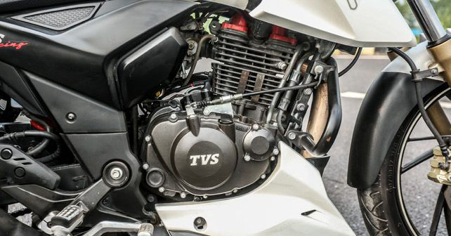 Yamaha FZ25 vs TVS Apache RTR 200 4V