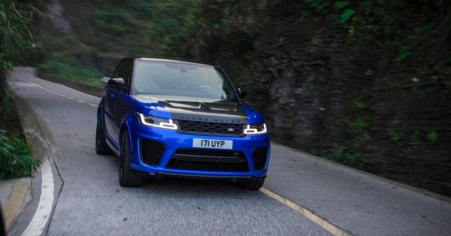 Range Rover Sport SVR climbs Tianmen Mountain in under 10 minutes