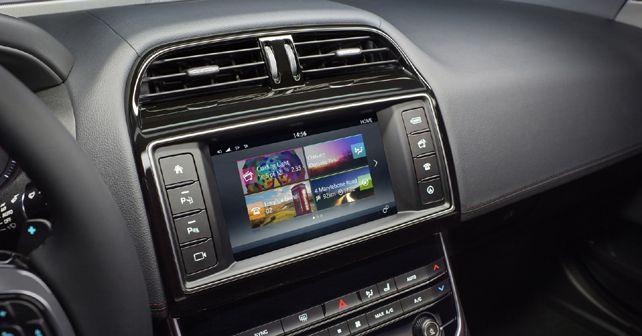 Jaguar XE infotainment system